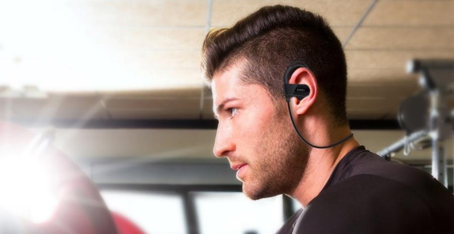 bahaya pakai headset